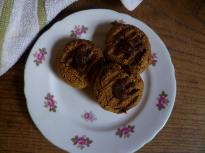 Date, ginger and molasses cookies